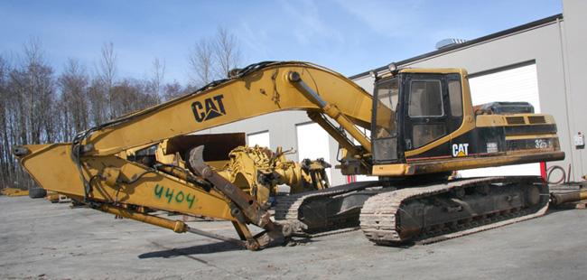 325L Excavator